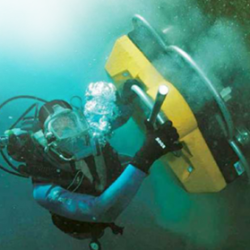 underwater-hull-cleaning-service-500x500